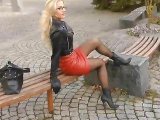 Fetish Lady In Leather Outfit