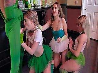 ベビー, ブロンド, フェラチオ, フィンガリング, 巨大なコック, 舐める, パーティー, おまんこ, おまんこをなめる, 飲み込む, ローティーン