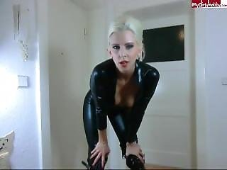 Wixxanleitung Im Wetlook-catsuit