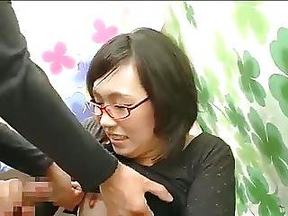 Japanese Pickup Girls Try Oral