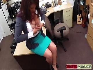 Hot And Nasty Brunette Milf Gets Her Pussy Traded For Cash