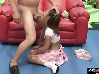 Asian Teen Yumi Gives Good Deepthroat