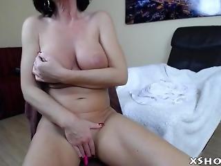 Cute Gorgeous Whore Masturbate On Live Webcam