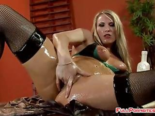 Blonde Babe Loves A Hardcore Fuck