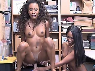 Fekete leszbikus fogság pornó