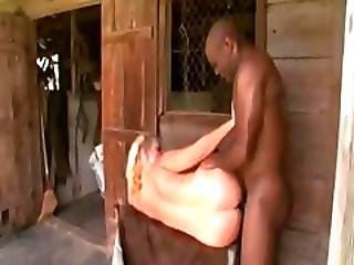 Dee Siren Gets Fucked Hard By Black Cock In Barnyard