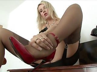 Blond Fully Fashioned Stockings Masturbating