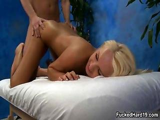 Horny Blonde Hottie Gets Her Cunt Fucked