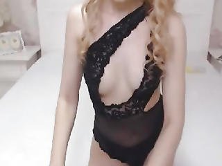 Wicked Transsexual Chick Masturbating On Livecam