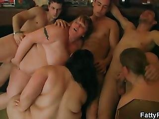 Hot Group Oral And Bbw Sex In The Pub