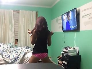 Skinny Girl Dance