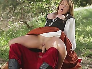 Knight With Large Dick Demonstrates How To Make Aroused Woman Cum