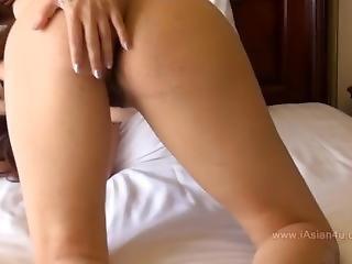 Carolina Fong From Iasian4u.com Teasing On Bed