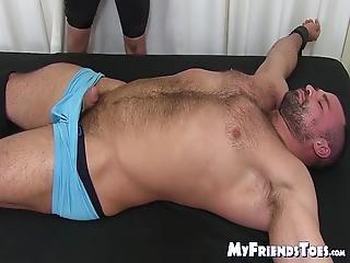 Gay chatouiller porno