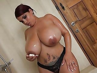 Sexy Black With Huge Boobs Takes Shower