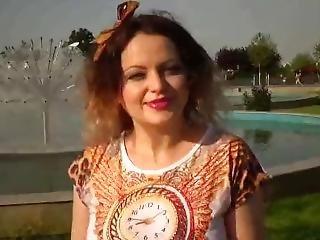 Exhibitionist Anabellaxxx1 Show Boobs In Park