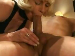 Moaning And Cumming In Her Mouth