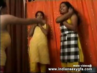 Indian Sexy College Girl Showing Boobs On Cam - Indiansexygfs.com