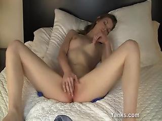 Tall Ellorie Rubbing Her Shaved Beaver