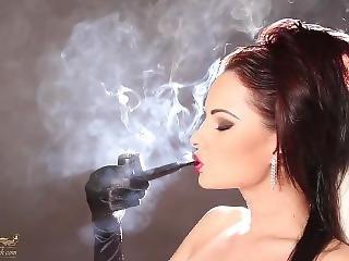 Abbie Cat Smoking Pipe 3