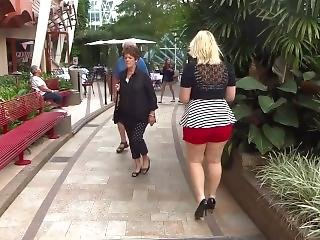 ano, ano grande, rubia, milf, publico, sexy, pantalones cortos
