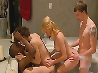 Amateur Swinger Couples Enjoy Foursome In Reality