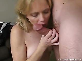 Very Sexy Mature Babe Loves A Sticky Facial Cumshot