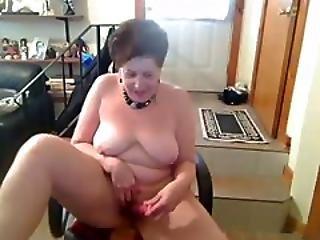 Old Amateur Saggie Nipple Butt Slut Enjoys Dancing Naked On Cam Tube