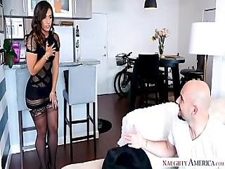 Kelsi Monroe S Big Ass Bounces From A Big Dick Fuck - Naughty America