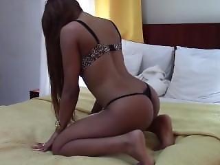 Thai Girl In Room 2014 - Shaking Her Ass 2