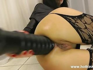 Hotkinkyjo - Huge Black Dildo In Ass