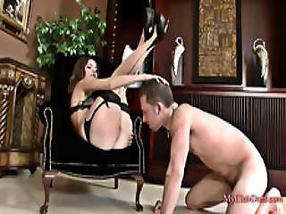 Face Sitting And Pussylicking By A Perfect Body Teen