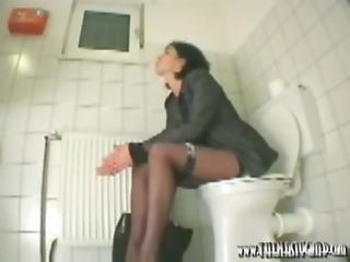 사무실, AV 여배우, 단 정치 못한 여자, 화장실