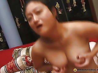 In Oriental Bitches Fucking Snatch