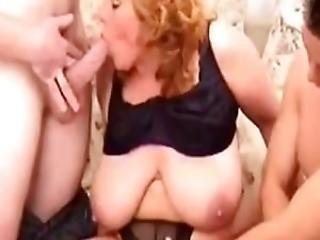 Chubby Redheaded Mindy Does A 3