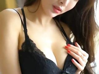 Chinese Model ??? Alice Zhou - Nude Shoot Bts