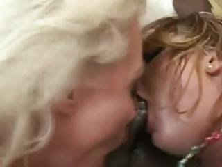 Hot Babes Getting Their Ass Ravaged In Foursome