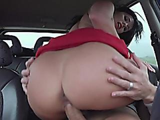 Vicky Love Hitchhikes And Pounded By Stranger In The Car