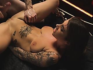 Tattooed Babe Pleased With Fat Dick