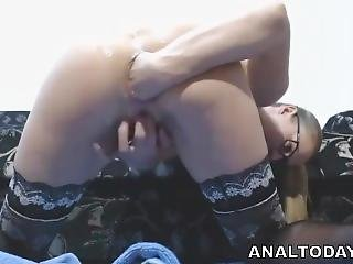 Gorgeous Amateur Babe Gets Brutal Anal Self Fisting