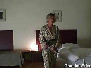 avó, sozinha, madura, foda a três, nova