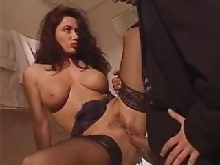 Erica Bella Dominada Por Un Pelado