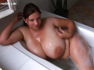 Banho, Grandes Mamas, Estrela Porno