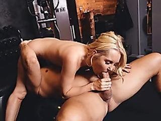 Hot Blonde Milf By Her Gym Buddy After Doing Some Routine