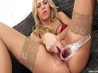 Pjgirls Macro Pussy   Exploration Deep Inside Nathaly%27s Pussy With Speculum
