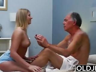 Blondi, Suihinotto, Sperma, Pano, Karvainen, Vanha, Vanha, Vanhempi Mies, Pornotähti, Seksi, Teini, Nuori
