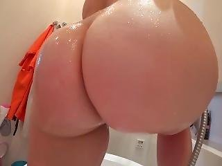 Young Girl With A Juicy Ass Fuck After A Shower
