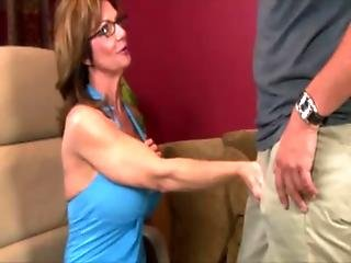 Mature milf in spex tugging cock and cant get enough