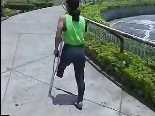 Amputee Lbk One Crutch
