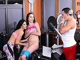 Verocious Milf India Summer Hunts Teen Bella Inside The Gym